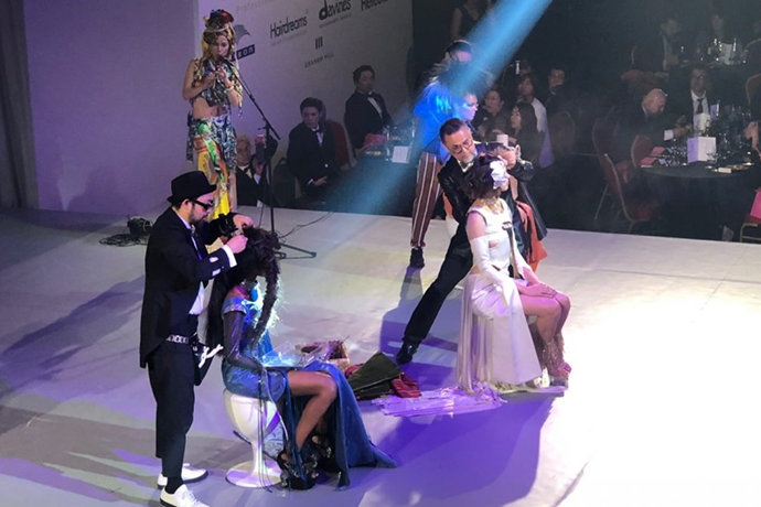 Intercoiffure Mondial Spotlight 2019 ガラ・ショーのステージにJAPANチーム代表として計良宏文が出演
