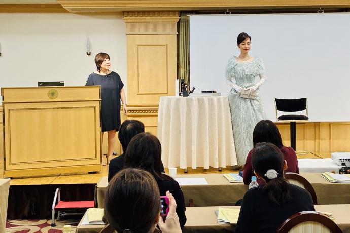 鎌田由美子が講師を務める、日本フォーマル協会ゴールドライセンス開催